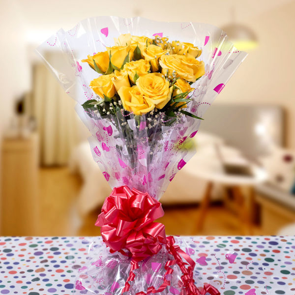 Sunny Yellow Roses Bunch: send flowers