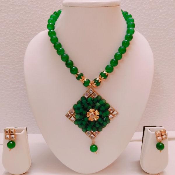 Buy Stylish Fashionable Necklace