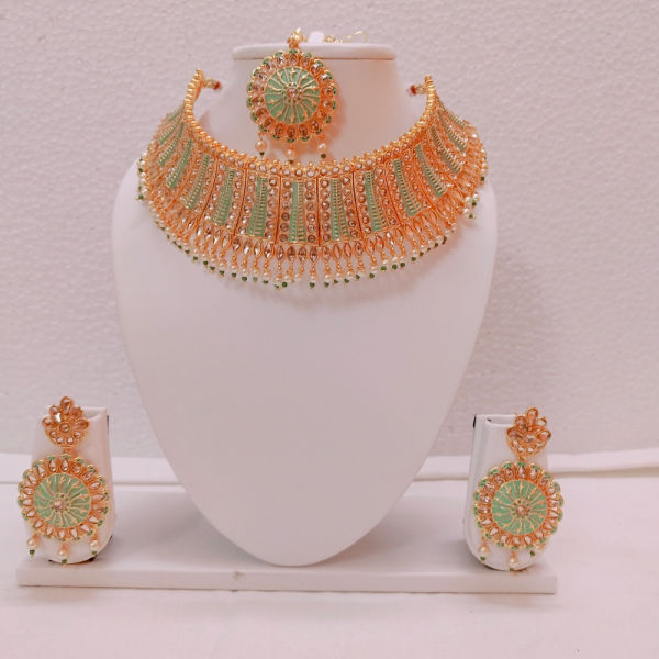 Buy Gorgeous Necklace