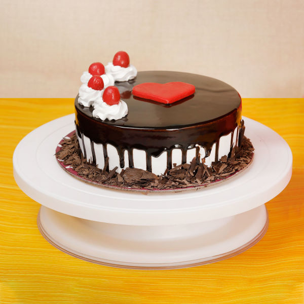 Buy Yummy Choco Vanilla Cake