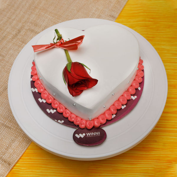 Buy Tempting Heart Shape Vanilla Cake