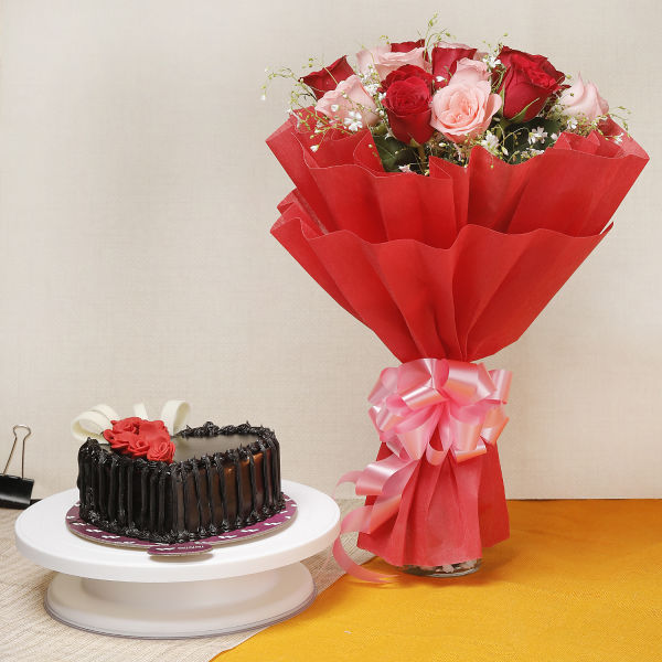 Buy 15 Red and Pink Roses With Chocolate Cake